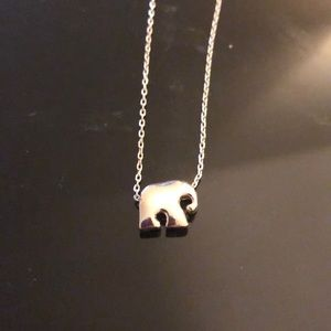 Small cute elephant charm necklace (silver)